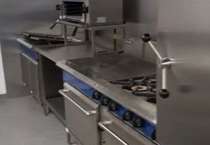 new-kitchen-with-range-cooker